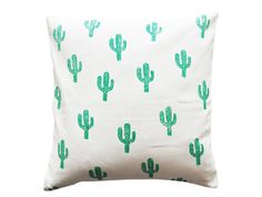 DIY-Anleitung: Kissen bestempeln via DaWanda.com Christmas Inspiration, Diy Design, Etsy, Home Accessories, Bed Pillows, Pillow Cases, Cactus, Plant, Living Room