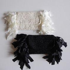 裂き編みとは読んで字のごとく、布地を裂いてひも状にしたものを編んだもの。昔おばあちゃんがやっていた!というかたもいるかもしれません。そんな昔からある裂き編みが、時代とともに進化を遂げて、おしゃれなバッグを作る方法になってきていると聞いたら驚かれますよね?最近の裂き編みは本当に素敵なんです。これを見たら、きっとあなたも裂き編みを始めたくなってしまうはず♪