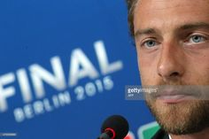 Juventus' midfielder Claudio Marchisio gives a press conference five days before the final of the UEFA Champions League football match Juventus vs Barcelona on June 1, 2015 at the Juventus Stadium in Turin. AFP PHOTO / MARCO BERTORELLO