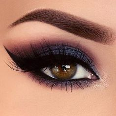 Gorgeous eye makeup blue and red #eyeshadow
