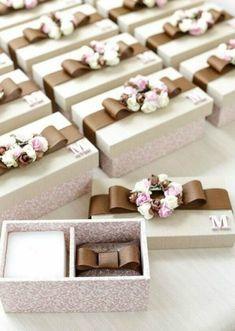 Wedding Gift Boxes, Wedding Favours, Diy Wedding, Party Favors, Wedding Gifts, Wedding Invitations, Gift Wrap Box, Diy Gift Box, Diy Box