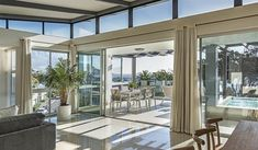 Blue Views Penthouse 4 - Located in a the Bakoven Cape Town, you'll find Blue Views Penthouse This is a self-catering apartment ideally located within one kilometre from Camps Bay beach, restaurants and shops.This tastefully .