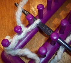 loom knitting stitches | loom knitting single knit cast on