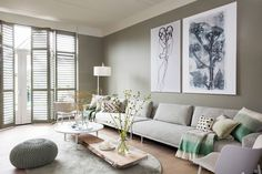 Fantastic modern farmhouse living room are offered on our web pages. Have a look and you will not be sorry you did. Sofa Design, Interior Design, Home Living Room, Living Room Decor, Dark Green Walls, Living Room Inspiration, Modern Furniture, Decoration, New Homes