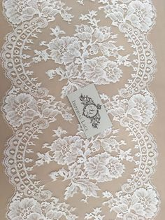 L - trim when cut in half plus spare floram motifs to add to veil if desired) style ten Antique Lace, Vintage Lace, Romantic Lace, Linens And Lace, Lace Ribbon, Irish Lace, Chantilly Lace, Lace Making, Bobbin Lace