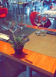 Buenos días. Feliz Lunes a todos! #Barcelona #Catalunya #Mirandoalmar #Maremagnum #almuerzo #comidamediterranea #restaurant #details #decoracion