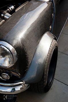 1968 classic mini with Honda Vtec turbo engine conversion. civic vtec honda engine fitted in a classic mini, with turbo! Mini Cooper Classic, Mini Cooper S, Classic Mini, Classic Cars, Honda Vtec, Mini Morris, Automobile, Mini One, Small Cars