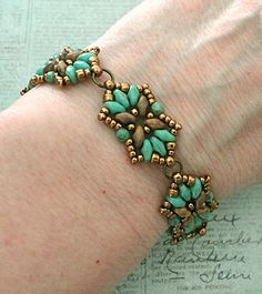 Linda's Crafty Inspirations: Bracelet of the Day: Tampa Variation - Turquoise & Yellow Picasso