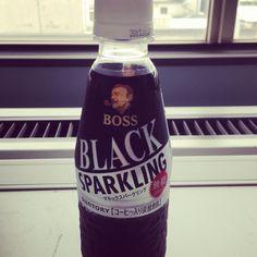 甘くないコーヒーソーダ。一応BOSSブランドなのね。コーヒーの酸味が強すぎて後味悪い…2014年夏に期待。