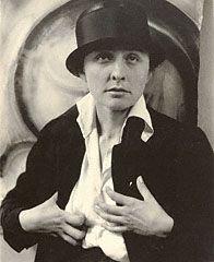 Georgia O'Keeffe: A Portrait, Alfred Stieglitz, 1918. © J. Paul Getty Trust