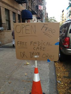 The doctor who offered free medical care after Hurricane Sandy | 26 Moments That Restored Our Faith In Humanity This Year
