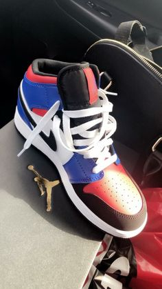 25 Best Basketball Shoes With Straps Basketball Shoe Traction Spray - Basketball Shoes - Basketball Women's Shoes, Nike Air Shoes, Hype Shoes, New Shoes, Shoe Boots, Shoes Jordans, Aldo Shoes, Dance Shoes, Cute Sneakers