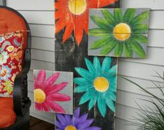 Gerber Daisy Pallet Art LARGE Distressed von TheWhiteBirchStudio Gerber Daisy Pallet Art LARGE Distressed von TheWhiteBirchStudio The post Gerber Daisy Pallet Art LARGE Distressed von TheWhiteBirchStudio appeared first on Pallet Ideas. Pallet Painting, Pallet Art, Painting On Wood, Pallet Signs, Diy Pallet, Wood Signs, Pallet Crafts, Wood Crafts, Margaritas Gerbera
