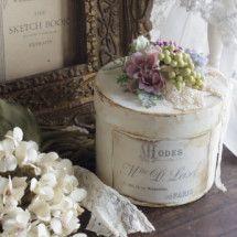 . Shabby Boxes, Vintage Bridal, Bridal Boutique, Flower Crafts, Wedding Bells, Centerpieces, Flowers, Home Decor, Weeding