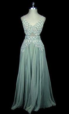 Evening dress (1939). Chiffon.