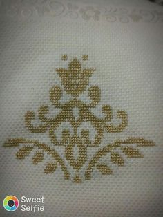 Thrilling Designing Your Own Cross Stitch Embroidery Patterns Ideas. Exhilarating Designing Your Own Cross Stitch Embroidery Patterns Ideas. Cross Stitch Tree, Cute Cross Stitch, Cross Stitch Borders, Cross Stitch Flowers, Cross Stitch Designs, Cross Stitching, Cross Stitch Patterns, Wool Embroidery, Cross Stitch Embroidery