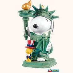 "Hallmark Keepsake Ornament Peanuts Spotlight On Snoopy #11 ""Patriotic Pals (2008) *"