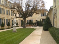 Our visit to Chateau Haut Brion: a wonderful experience and great wine.