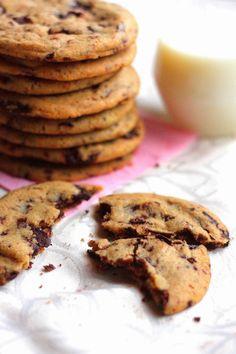 Sitkeät, isot suklaahippukeksit - Suklaapossu No Bake Cookies, Baking Cookies, Tex Mex, Brunch, Goodies, Food And Drink, Sweets, Candy