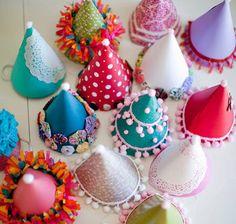 Faites leur décorer leurs propres chapeaux !