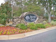 Entrance to Neighborhood Photo: Lovely Entrance Sign. This Photo was uploaded by dotbuchanan Entrance Sign, Entrance Ideas, The Neighbourhood, Monument Signs, Farm Gate, Food Logo Design, Circular Driveway, Farm Signs, Oak Hill