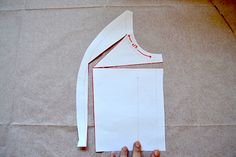 tutorial to learn how to make a full bust adjustment on a princess seam by Jenny of Cashmerette Sewing Hacks, Sewing Projects, Sewing Tips, Full Bust Adjustment, Princess Seam, Princess Cut, Fabric Markers, Altering Clothes, Flattering Dresses