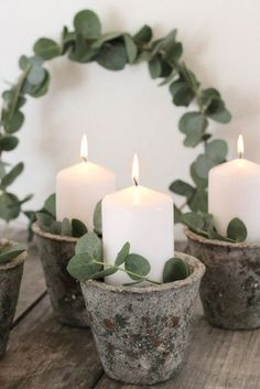 Vierter Advent DIY homemade advent wreath: candles in a flowerpot - Christmas decorations Advent, ad White Christmas, Christmas Time, Christmas Wreaths, Christmas Crafts, Advent Wreaths, Unique Candles, Diy Candles, Pillar Candles, Advent Candles