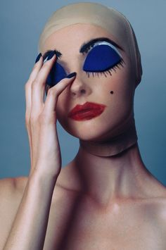 Wylie Hays by Fernando Gomez for Elle Indonesia makeup
