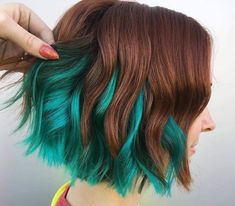 40 of the Chic Short Bob Haircuts and Hairstyles to Copy in 2019 40 der Chic Short Bob-Frisuren und -Haarschnitte, die 2019 kopiert werden sollen Cute Hair Colors, Green Hair Colors, Hair Color Blue, Cool Hair Color, Blue Green Hair, Short Green Hair, Red Hair With Blue Highlights, Short Hair With Color, Amazing Hair Color