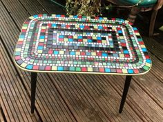 How to Transform a Fab Vintage Coffee Table With Mosaic Tiles DIY - Mosaics - Design Rattan Furniture Refurbished Coffee Tables, Diy Coffee Table, Mosaic Diy, Mosaic Tiles, Ikea Lack Table, 3d Modelle, Stick On Tiles, Resin Table, Glass Table