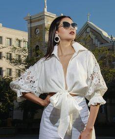 Ruffle Blouse, Women, Fashion, Shirt Blouses, Fashion Blouses, White Gowns, Short Dresses, Blouse Patterns, Beautiful Blouses