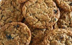 Cookies saudáveis de aveia, maçã, passas e chocolate