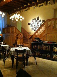 La Bottega on tunnelmallinen italialainen ravintola Vanhassakaupungissa Vene-kadulla.