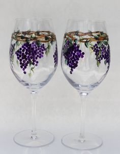 Hand Painted Wine Goblets Grapes pair by PaintedSnowflakes on Etsy Decorated Wine Glasses, Hand Painted Wine Glasses, Wine Glass Crafts, Wine Bottle Crafts, Wine Glass Designs, Bottle Painting, Glass Art, Vase, Wine Goblets