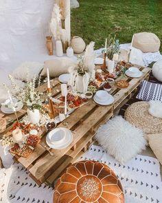 Boho Garden Party, Vintage Garden Parties, Picnic Birthday, Backyard Birthday Parties, 21st Birthday, Birthday Ideas, Backyard Picnic, Beach Picnic, Deco Champetre