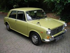 I learnt to drive in one of these.In the mid 70's. Coventry CID drove these but all the villains would look out for the little radio aerial  on the rear wing.
