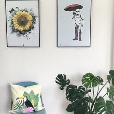"""Vi elsker stuen til @livligehus hun har så mye flotte! Her ser dere plakat @hangingdanes og plakaten """"Storm"""" fra oss!"""