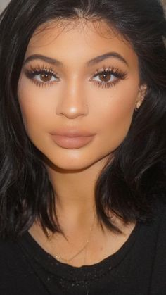 Kylie Jenner makeup 2015 fake couldnt stand how she looked...low self esteem anyone?