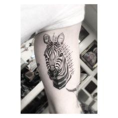 Zebra styles the homie Nick                                                                                                                                                                                 Mais