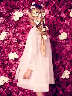 Catalogue Dior SS14. Agence Foveadesign. Photos: Karel Balas. Direction artistique: Isis-Colombe Combréas. Stylisme: Mélanie Hoepffner