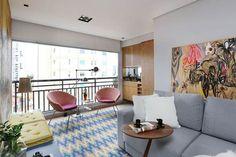Decoração apartamento jovem e colorido com marcenaria planejada para o apê de 60 m² por Loft87