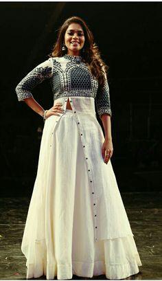 Whatsapp-8617238209 for this Tailer fit designer wear Indian Designer Outfits, Indian Outfits, Designer Dresses, Indian Attire, Anarkali Dress, Red Lehenga, Look Short, Kurti Designs Party Wear, Kurta Designs