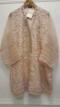 Color and design is so nice Kebaya Modern Dress, Kebaya Dress, Pakistani Party Wear Dresses, Pakistani Wedding Outfits, Simple Dresses, Beautiful Dresses, Casual Dresses, Dress Brukat, Lace Dress