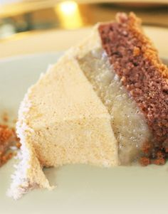 Bûche poires Wiliams, caramel et speculos Buche Poire Williams, Karamell und Speculos Xmas Food, Christmas Cooking, Christmas Recipes, Sweet Recipes, Cake Recipes, Dessert Recipes, French Desserts, Love Eat, Cake Cookies