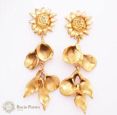 #Pendientes Girasolitos con Hojas de bronce bañado en oro de Rocio Porres Joyas