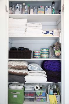 Shelves for upper half of boys' alcove, reading nook on the bottom Linen Closet Organization, Home Organisation, Closet Storage, Small Linen Closets, Closet Remodel, House Inside, Neat And Tidy, Decorating Small Spaces, Getting Organized