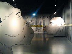 Übergang zum Menschenaffenhaus im Darwineum (c) FRank Koebsch - Das Darwineum ist ein absolutes Highlight im Rostocker Zoo, mehr Informationen unter http://frankkoebsch.wordpress.com/2012/09/22/die-grosten-wandmalereien-in-rostock/
