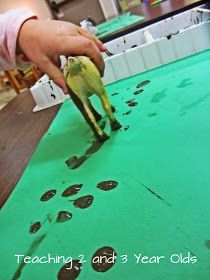 Teaching 2 and 3 Year Olds: Preschool Farm Theme: Animal Tracks
