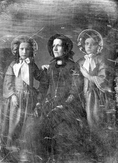 1840's mother and daughters