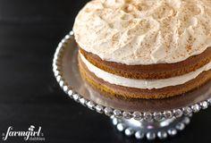 pumpkin layer cake with creamy cinnamon whip - a farmgirl's dabbles, more pumpkin cake scrumptiousness! Frosting Recipes, Cake Recipes, Dessert Recipes, Whip Frosting, Köstliche Desserts, Delicious Desserts, Yummy Food, Yummy Treats, Sweet Treats